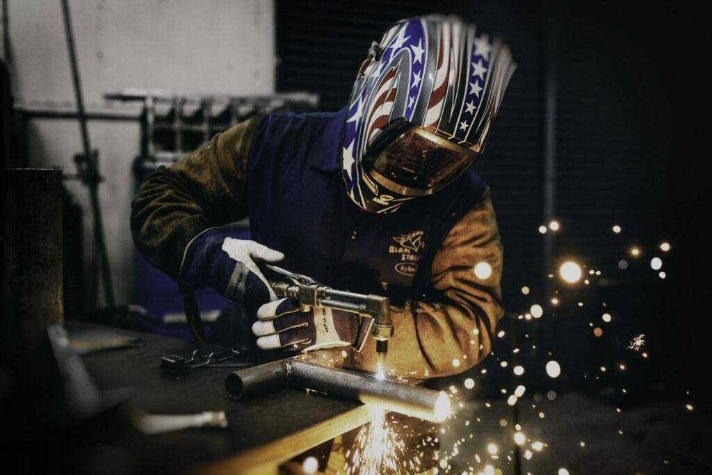 Best welding helmet featured image